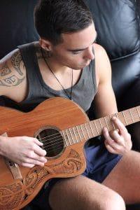 Mako guitar